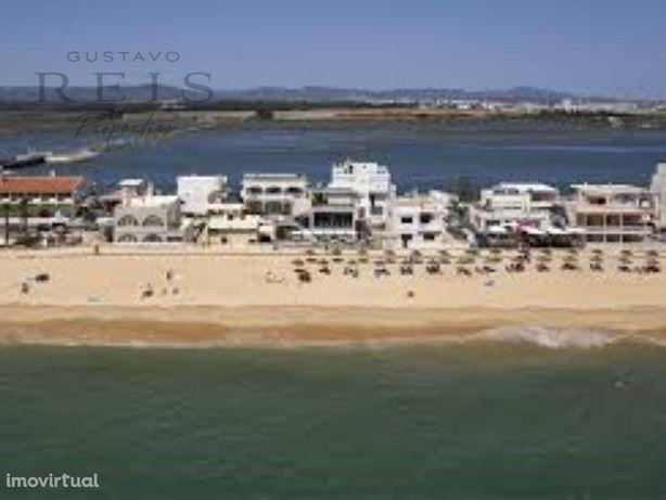 Moradia V4 na Praia