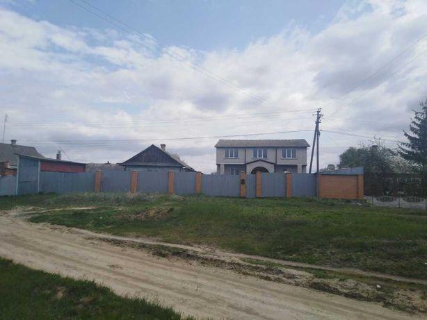 В.Сироватка 2 будинки бiля траси