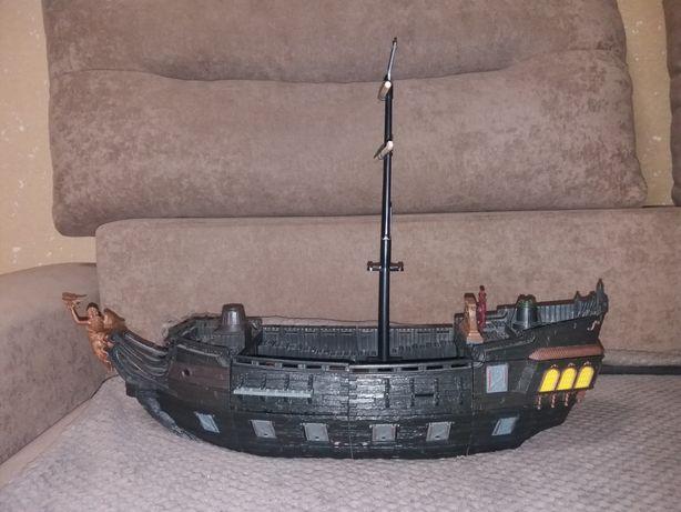 Большой корабль под лего