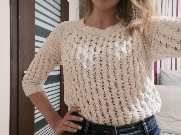 Biały sweterek F&F