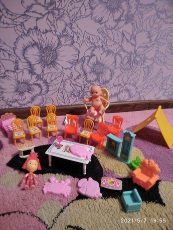 Кукла,лот мебель для кукол и пус
