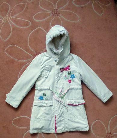 Śliczny modny płaszcz jesienno-zimowy firmy Wójcik 146