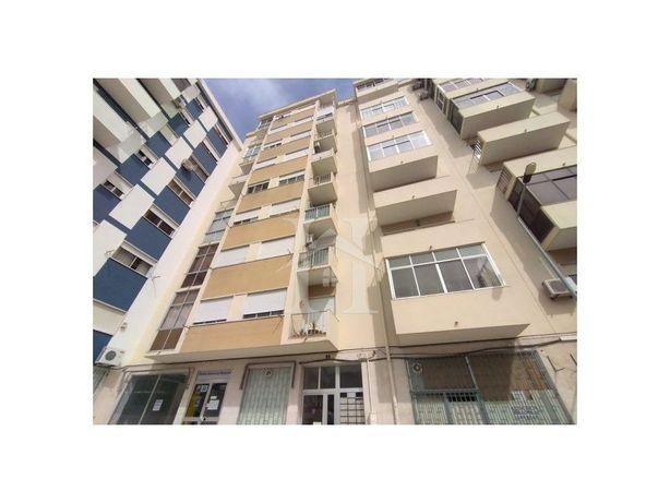 Apartamento T3 em Miratejo