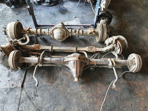 Мост Балка Двигатель Мотор 2.9 Рессоры Кузов Мерседес 208-410 Ботинок