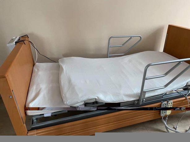 Obrotowe łóżko rehabilitacyjne z materacem pneumatycznym