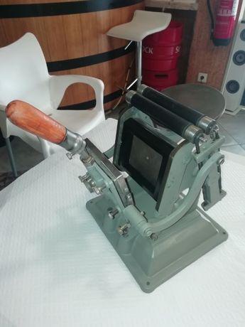 Máquina Tipografia Antiga