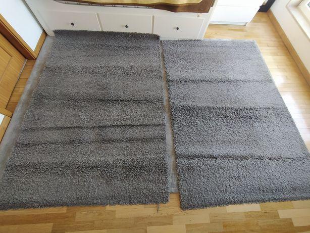 Carpetes de cor cinza