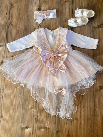 Платье со шлейфом для маленькой принцессы. Крестильный набор.