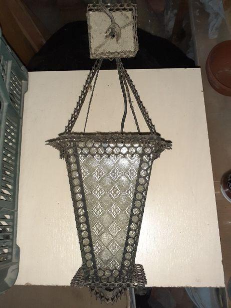 lampy wiszace metalowe