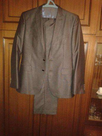 продам мужской костюм.размер 50.цвет антрацит