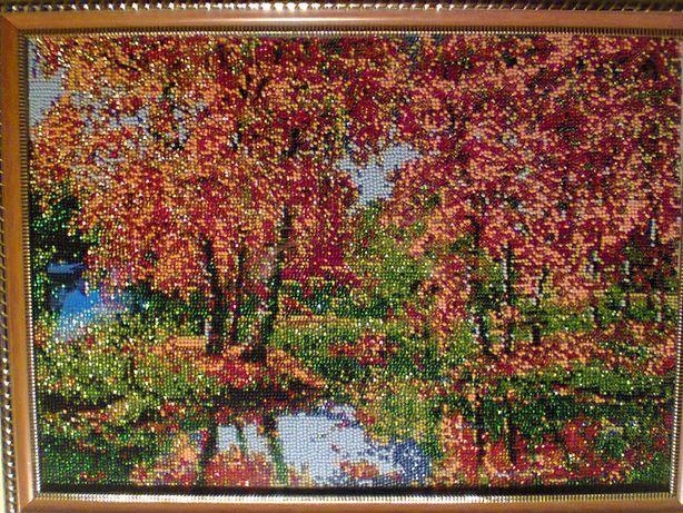 Картина-Осень размер 38 на28 вышитая чешским биссером