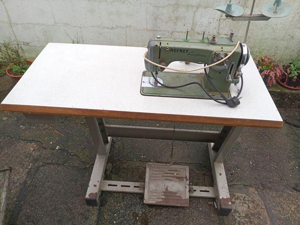Máquina costura v
