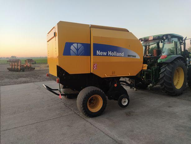 Prasa New Holland BR 7060