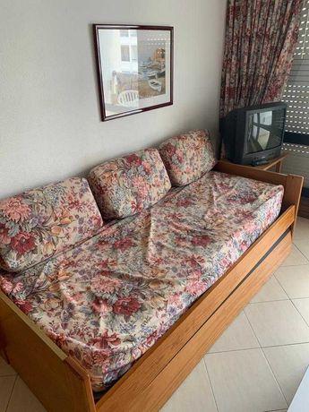 Sofá cama solteiro muito prático