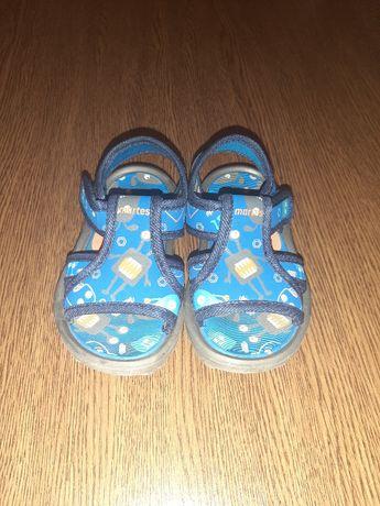 Sandały rozmiar 24
