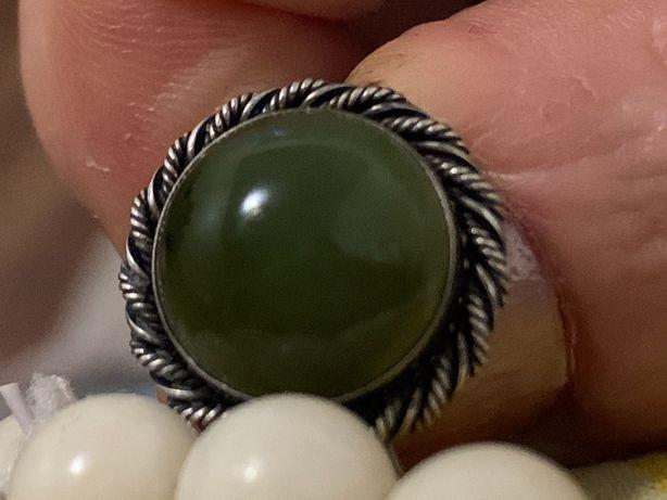 Продам кольцо 17-17,5