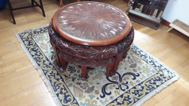 Mesa chinesa em madeira e vidro