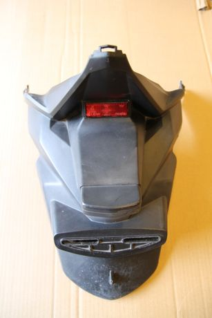 błotnik tylny chlapacz Yamaha X max 125 . 14- 17