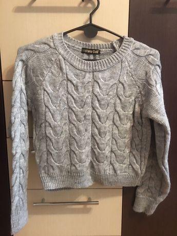 Теплый укороченный свитер