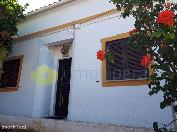 Algarve, Albufeira, Casa tradicional algarvia em aldeia t...