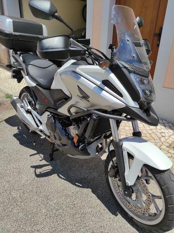 Oportunidade Honda NC750X para venda