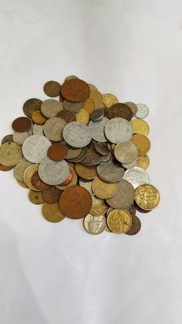 Лот 1 монет світу