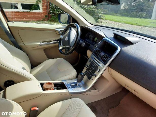 Volvo XC 60 Sprzedam samochód VOLVO XC60 AWD