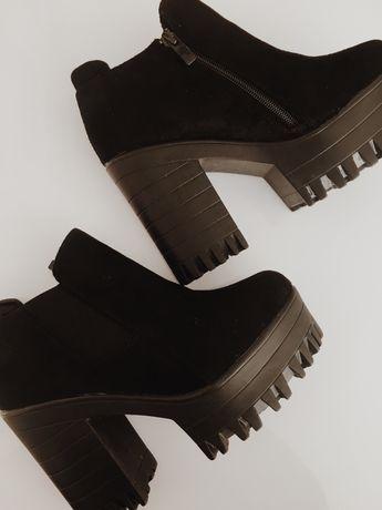 botas pretas de salto alto da seaside