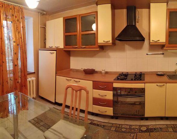 Срочная  продажа  3-ком.  с    кухней  11 кв.м.    ул. Малиновского