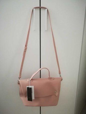 Nowa firmowa torebka w kolorze pudrowego różu na jesień
