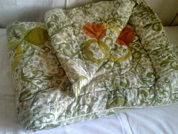 Одеяло из овечьей шерсти, стёганное ( 210 х 147 см) легкое мягкое.