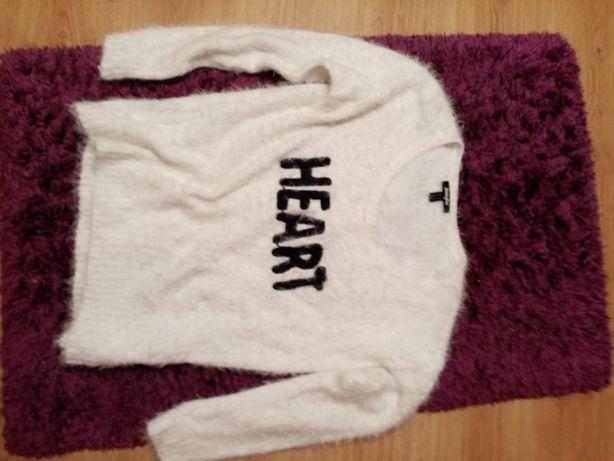 Piękny włochaty sweterek JENNYFER
