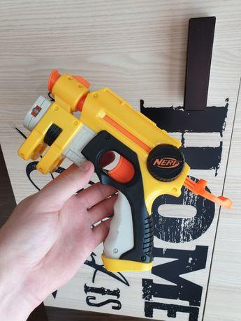 Pistolet NERF N-STRIKE Wyrzutnia Laserowa STRZAŁKI , Naboje TANIO