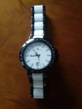Relógio com  bracelete e preto