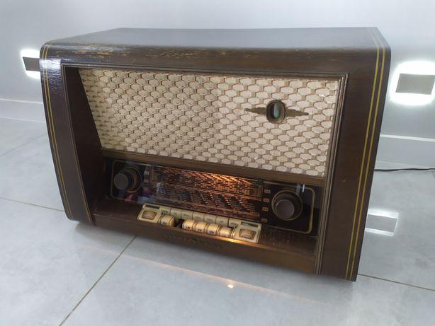 Działające Stare radio lampowe LOEWE OPTA LUNA