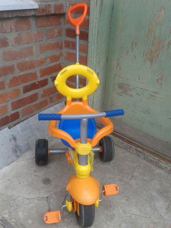 Велосипед детский трехколесный с ручкой Smart Trike