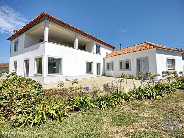 Moradia - 292 m² - T3