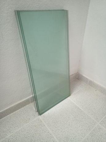 Prateleiras em vidro