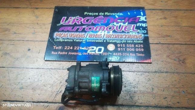 Compressor / Motor de ar condicionado Fiat Punto Grande Ref 55194880