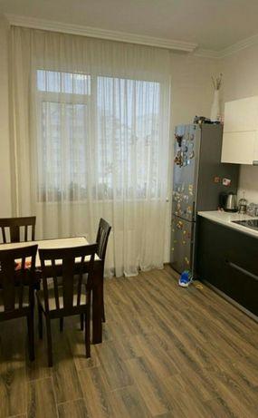 Двухкомнатная квартира в элитном доме Ак.Сахарова ул.