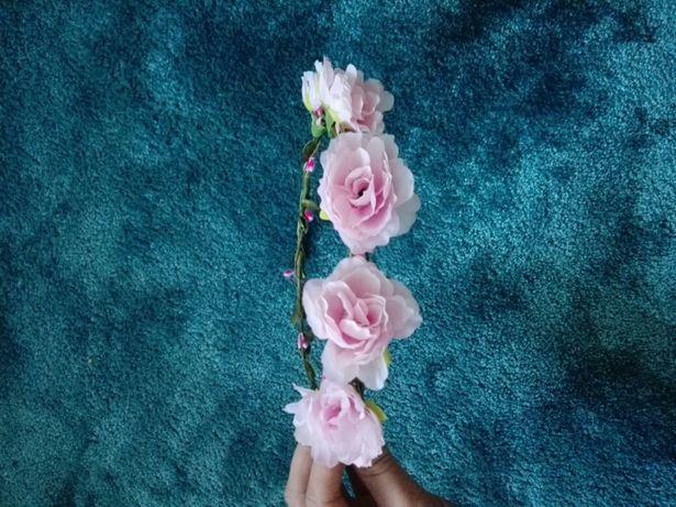 Wianek kwiaty na włosy różowy