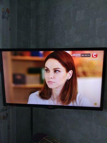Телевизор LG 32 LED