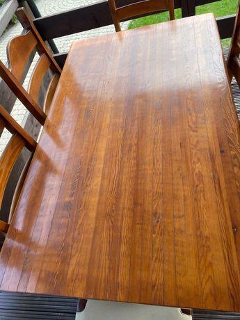 Stół z krzesłami z mocnej sosny