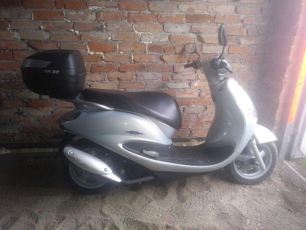 Sprzedam skuter Yamaha Teos 125 ccm. Możliwy transport