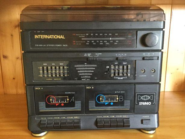 Aparelhagem gira-discos, rádio e cassetes