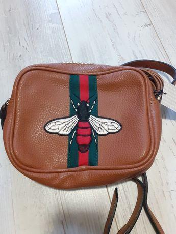 Brązowa torebka na ramię