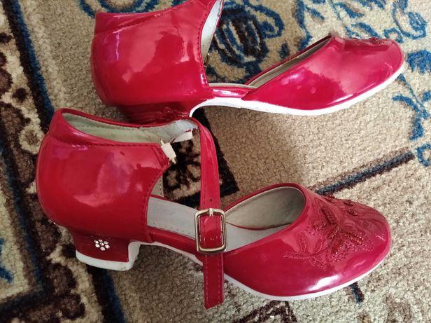 Туфли праздничные 29 размер
