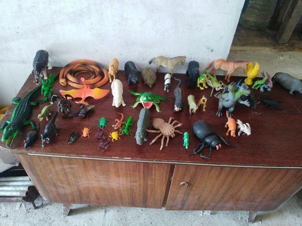 Іграшки різноманітні
