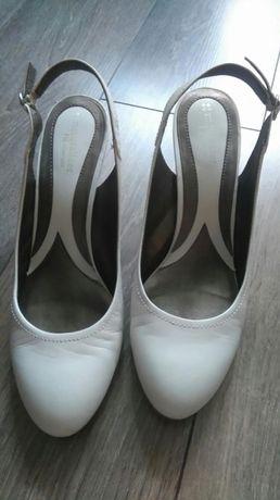 Белые туфли/босоножки