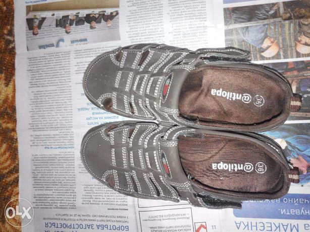 Продам новые кожаные детские сандалии на мальчика